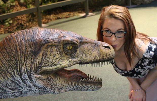 Video: Rock Girl Jordan tours Dinos Live