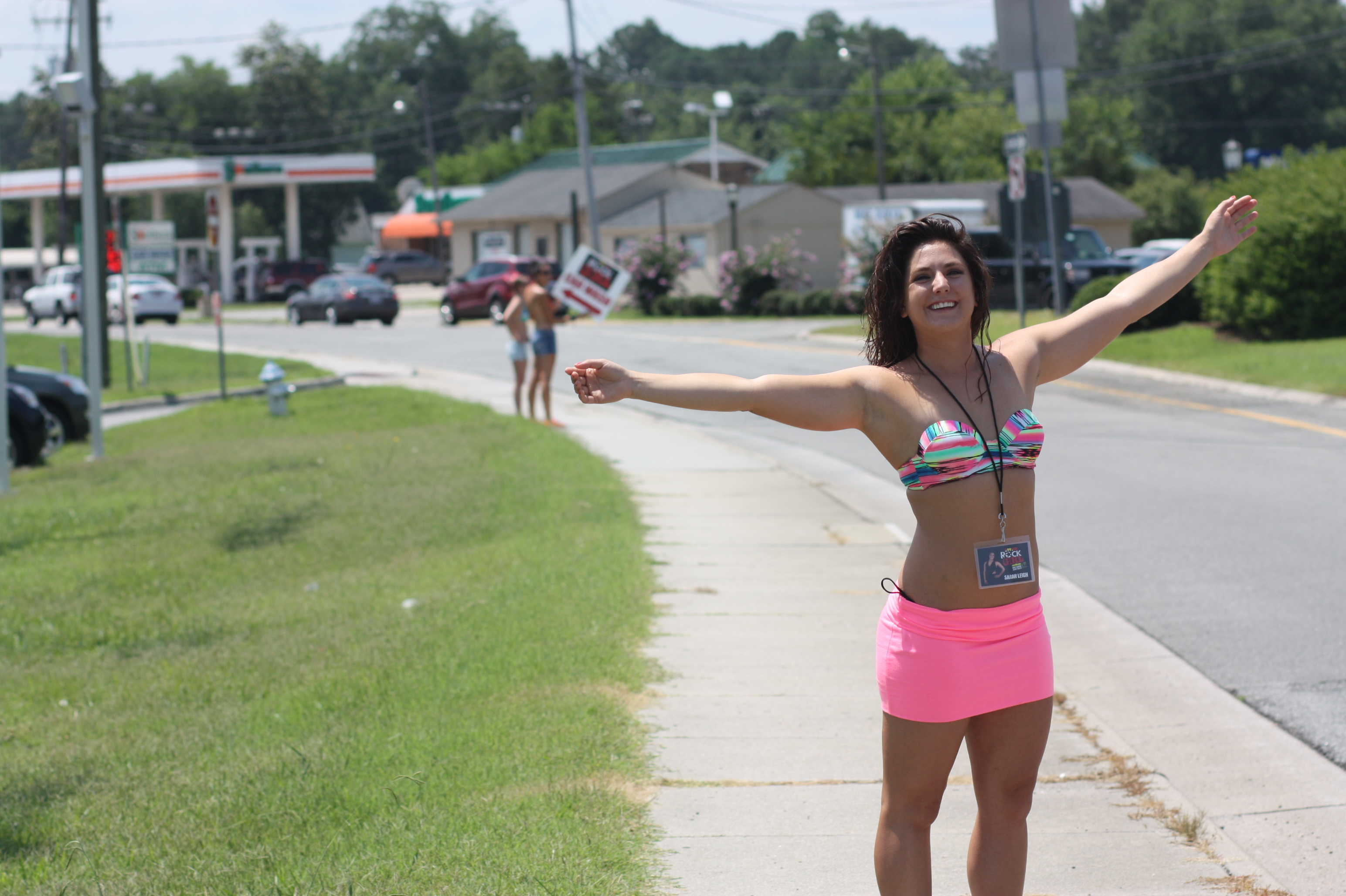 Mike Auto Sales >> Rock Girl Car Wash At Mike Duman Auto Sales In Suffolk Wnor Fm99